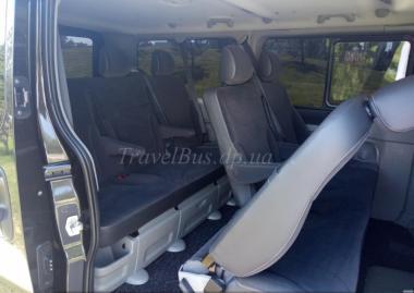 Transport minibusem Volkswagen Multivan