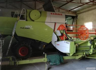 Claas Tucano 320 heder 4,90m, przystawka kukurydza claas conspeed 5.75