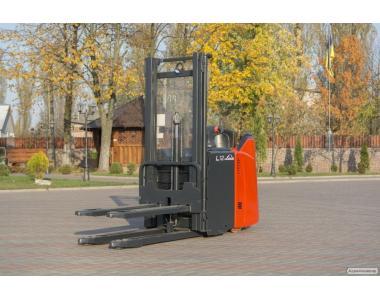 Wózek widłowy elektryczny