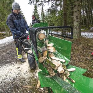 Elektryczny kombajn do drewna