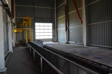 Wywrotnica hydrauliczna 12 m do wysypu materiału z pojazdów