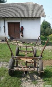 Wózek do przewozu siana