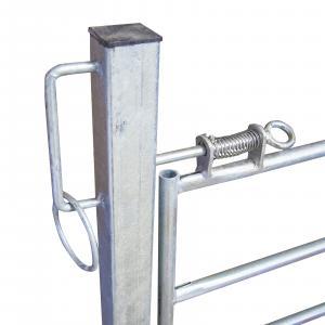 Bramka z drzwiczkami dla owiec